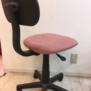 普通のキャスター付き椅子ですが… - 世田谷区