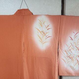 1000円引き! 明るい色の絹の刺繍訪問着。いま4800円。2月...