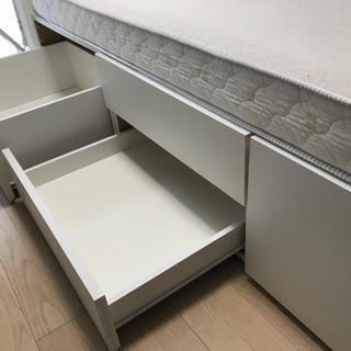 商談中 ニトリ セミダブルベッド♫引き出し、電源付 - 家具