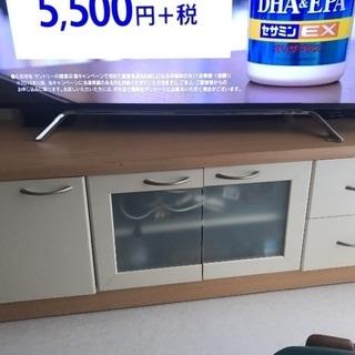 テレビ台、ローボード