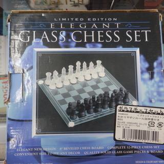 ガラスチェスセット 駒欠品なし ボードゲーム 新入学 大学生 黒...
