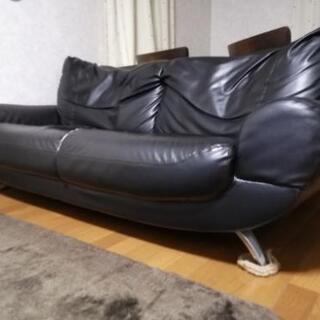 2人掛け革張りソファー あげます