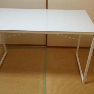 NITORI ガラス天板PCデスク 白色(運搬・組立応談)/チェ...