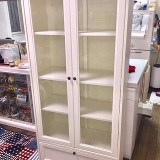 (受付中)IKEA 綺麗な北欧風ホワイトガラスキャビネット 訳あり品