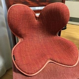 ボディメイクシート 骨盤矯正椅子