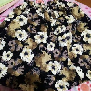 花柄スカート2