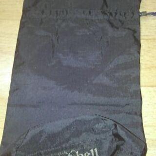 mont-bellのジャンパー用携行袋