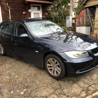 BMW 320i紺