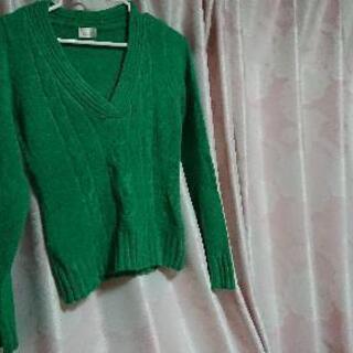 レディース・ミドリのセーター