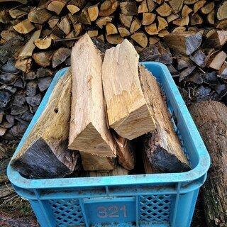 2年乾燥させた薪をバラでお買い得に量り売り致します!