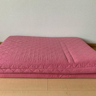 ピンクのシングルマットレス