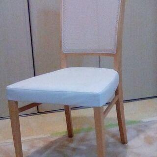 リビングで使用していた椅子。