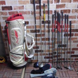 ホワイトゴルフバッグ&ゴルフクラブ13個まとめてセット