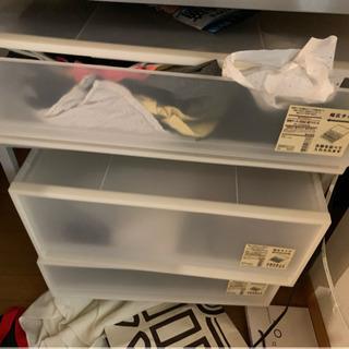 【完全無料!!】まだ全然使えるプラスチック棚譲ります。