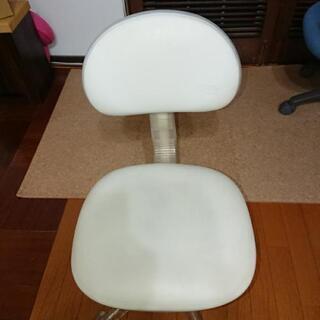 事務椅子(オフホワイト)