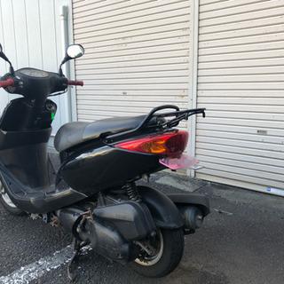 125ccバイク AXISトリート黒色