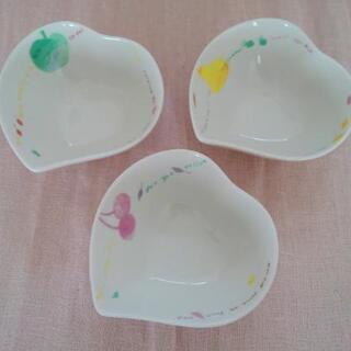 ハート型の小鉢3点*フルーツのイラスト柄*お浸し*煮物*サラダ*...