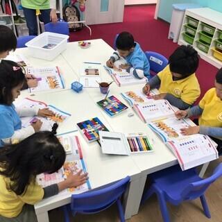 インターナショナル幼稚園で外国人の担任の先生の補助をお願いします