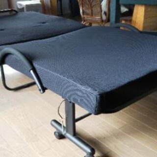 折り畳み式シングルベッド差し上げます