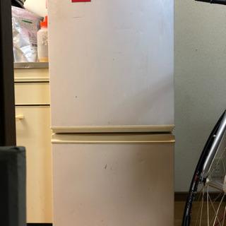 1~2人用冷蔵庫 古いけどまだ使えます 電子レンジも無料