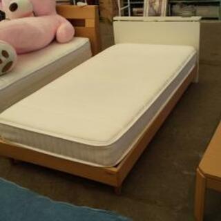 シングルベッド★ベッドフレーム+マット★コンセント付き