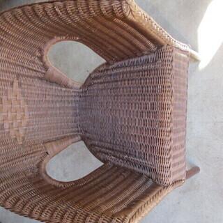 藤の椅子 アンティーク 高さ75㎝ 横巾56㎝ 奥60㎝