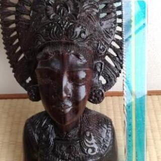 【インドネシア】木彫りの置き物