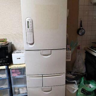 冷蔵庫 かなり古いものです。25日頃迄にお引渡し可能な方優先です。