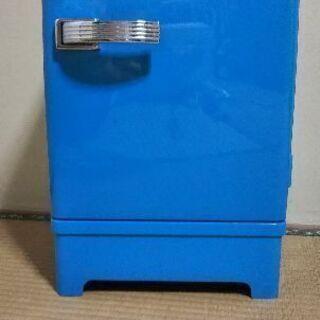 ポータブルの冷蔵庫 譲ります