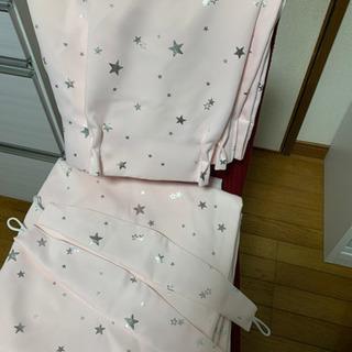 ピンクの厚地カーテン4枚