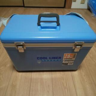 クーラーボックスと保冷剤8個