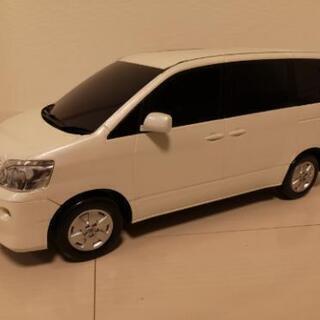 【値下げ】44㎝ トヨタノア60系非売品ミニカー