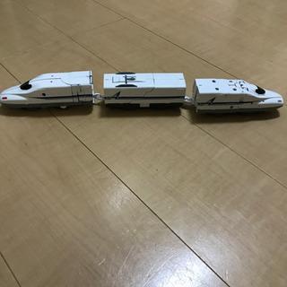 新幹線変形ロボ シンカリオン