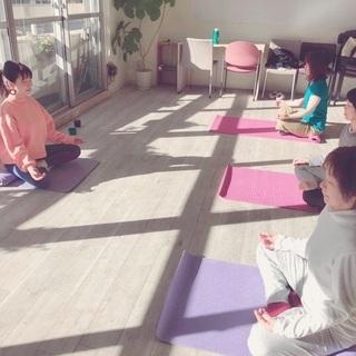 【毎週火曜日】朝活ヨガ・瞑想@ヒカリエ徒歩1分