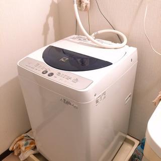 2012年製造のSHAPRの電気洗濯機です。
