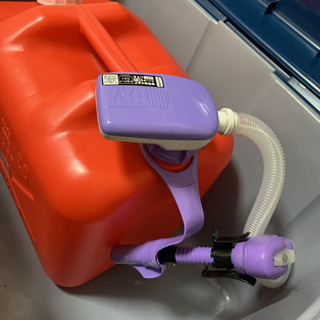 灯油 ポリ容器と電動ポンプと収納ケース