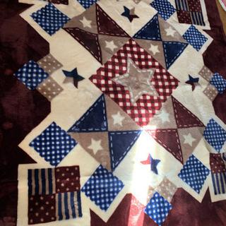 【美品】絨毯 200×240センチサイズ