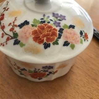 有田焼 錦松梅の蓋つき皿