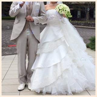 純白 ウェディングドレス