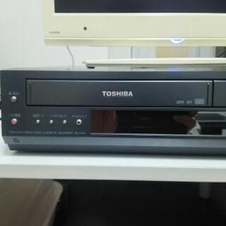 東芝VHSビデオデッキ(リモコン付き)