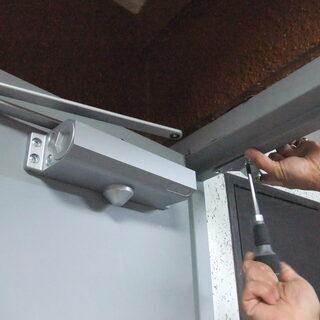 サッシ・建具取り付け、内装系のドア仕事全般