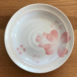 未使用 お皿 プレート 22cm 花柄 クローバー
