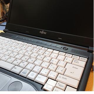 13.3インチ Core i5 Windows10 富士通ノート...
