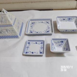 ピラミッド型組み合わせ食器 未使用品