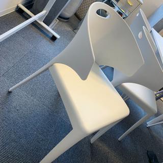 【値下げ】デザイナーズチェアーSHUの椅子