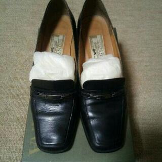 仕事、就活に〜黒の革靴パンプス、ローファー