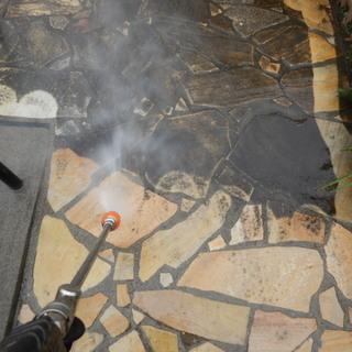 駐車場土間などの高圧洗浄