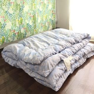 西川リビングの羽毛布団と枕