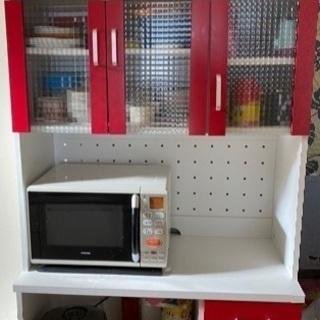 おしゃれな食器棚 赤色 レッド