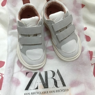 Zara 13.5cm新品のスニーカー
